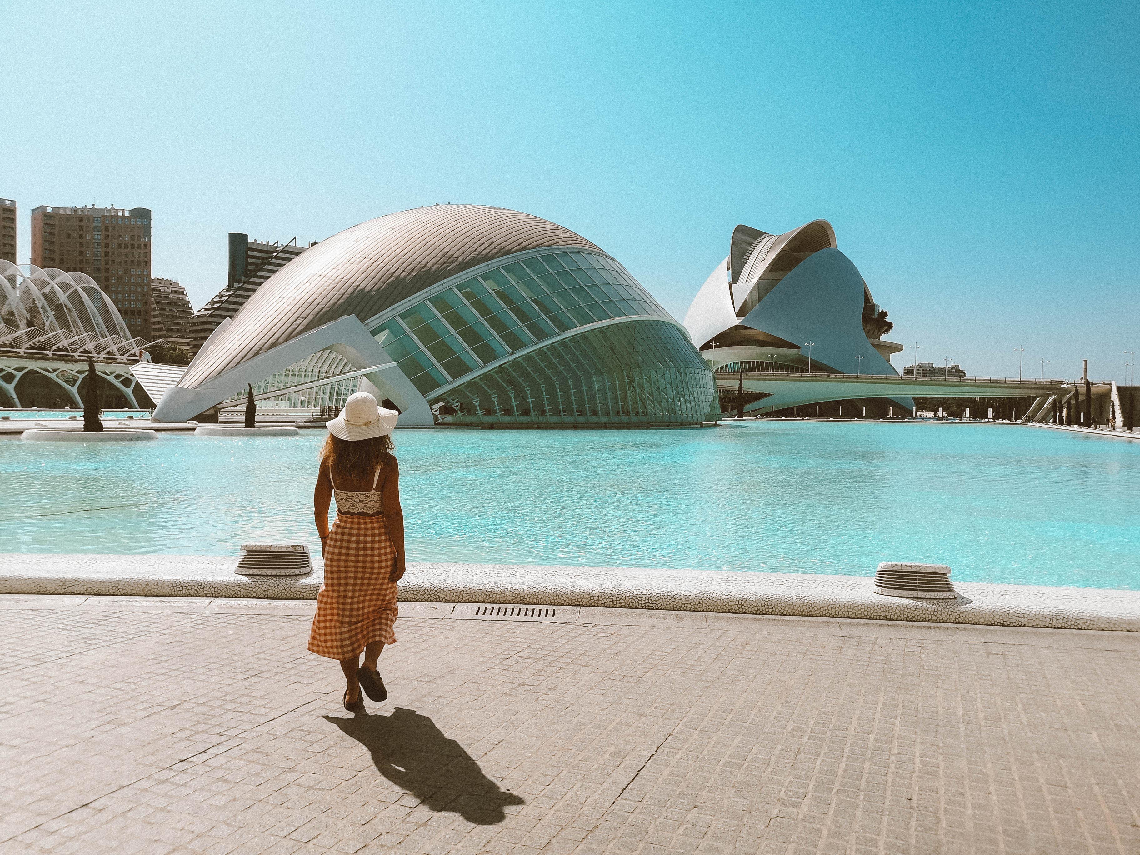 Cidade das Artes e das Ciências – Palau das Artes e L'Hemisféric  Foto: Wander Life Blog